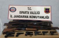 Isparta'da Jandarma Ekipleri Ruhsatsız Tabanca Ve Av Tüfeği Ele Geçirdi