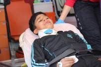 KARAKÖPRÜ - Kontrolden Çıkan Motosiklet Öğrencilerin Arasında Daldı Açıklaması 2 Yaralı