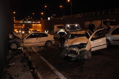 Alkollü sürücü zincirleme kazaya yol açtı: 3'ü polis 7 kişi yaralandı
