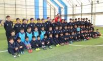 KÜÇÜKÇEKMECE BELEDİYESİ - Küçükçekmece Kış Spor Okullarına Büyük İlgi