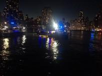 NEW YORK - New York'ta Helikopter Denize Düştü Açıklaması 5 Ölü