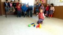 SINIF ÖĞRETMENİ - Öğrenciler Bowling Oynayarak Matematik Öğreniyor