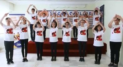 Öğrenciler İstiklal Marşı'nı İşaret Dili İle Okudu