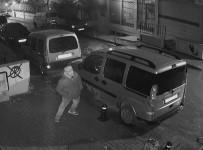 CEMAL YıLDıZ - (Özel) Hırsız, Bagajından Girdiği Aracı Böyle Soydu