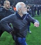 ATINA - PAOK Başkanı Silahla Sahaya Girdi