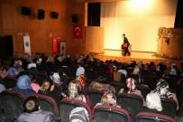 FATMA SEHER - Siirt'te 'Seherin Kadınları' Adlı Tiyatro Oyunu İlgi Gördü