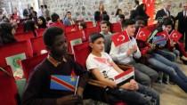MUSTAFA HAKAN GÜVENÇER - Türkçe Öğrenen Yabancı Uyruklu Öğrencilere Sertifika