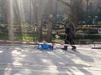 YAYA TRAFİĞİ - Ankara'da Şüpheli Paket Polisi Alarma Geçirdi