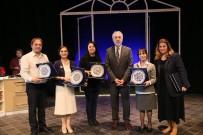 TİYATRO OYUNU - 'Geç Kalanlar' İsimli Tiyatro Oyunu Kütahya'da Sahnelendi