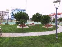FUTBOL SAHASI - İzmit'te Park Yapım Ve Onarım Çalışmaları Devam Ediyor