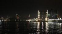 KARAKÖY - Karaköy İskelesi Haliç Tersanesine Getirildi