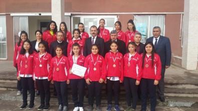 Köyceğizli Kızlar Şampiyonluğa Koşuyor
