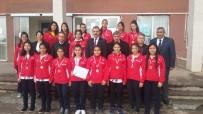 FUTBOL TAKIMI - Köyceğizli Kızlar Şampiyonluğa Koşuyor