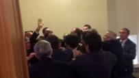 AYŞE NUR BAHÇEKAPıLı - Meclis Kulisinde Kavga !