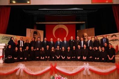 Mehtmet Akif Ersoy Körfez'de Belgeselle Anıldı