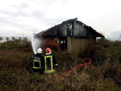 Metruk Kulübede Çıkan Yangın Paniğe Sebep Oldu