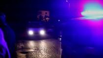 REHİN - Oğlunu Saatlerce Rehin Tutan Babayı Polis İkna Etti