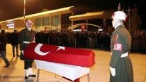 SÜLEYMAN ELBAN - Şehit Jandarma Uzman Çavuş Koç'un Cenazesi Memleketine Uğurlandı