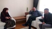 OTOBÜS FİRMASI - Yanan Otobüse Binmekten Son Anda Vazgeçmiş