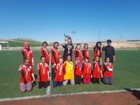 ORHAN KILIÇ - Yıldız Kızlar'da Şampiyon Sason İstiklal Ortaokulu