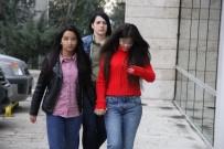 TELEFON KILIFI - Alışveriş Merkezinden Hırsızlık Yapan 3 Kız Gözaltına Alındı