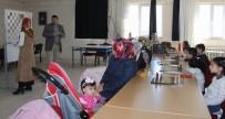 SATRANÇ FEDERASYONU - Anneler Çocuklarıyla Birlikte Satranç Öğreniyor