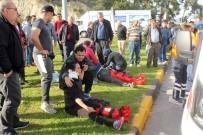 ÇOLAKLı - Antalya'da Kontrolden Çıkan Otomobil Minibüse Çarptı Açıklaması 8 Yaralı