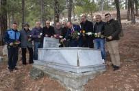 ÇUKUROVA GAZETECILER CEMIYETI - ÇGC Kurucu Başkanı Yurtçu, Mezarı Başında Anıldı