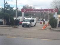 ANKARA BÜYÜKŞEHİR BELEDİYESİ - Çorum'daki Otobüs Kazasında Ölenlerin Cenazeleri Ailelerine Teslim Edildi