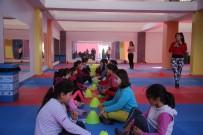 EBRULİ - Erdemli'de Kadınlar Ve Çocuklar Spor Merkezlerinde Sporlarını Yapıyor