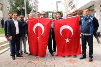 KUZEY KIBRIS - İskenderun Belediyesi Esnafa Türk Bayrağı Dağıttı