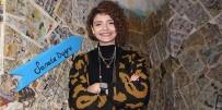 SOKAK HAYVANLARI - Kurduğu Sanat Eviyle İzmir'e Renk Katacak