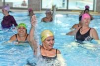 YÜZME - Muratpaşa'da Kadınlardan Su Jimnastiğine Yoğun İlgi