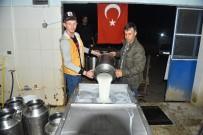 SÜT ÜRETİCİSİ - Süt Gelirini Mehmetçik İçin Bağışladılar
