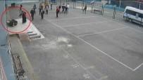 UĞUR MUMCU - Veli Okulda Müdür Yardımcısına Saldırdı