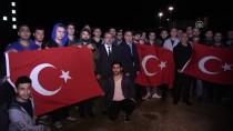 KREDI VE YURTLAR KURUMU - Yurtta Kalan Öğrencilerden Mehmetçiğe 'Işıklı' Destek