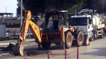 İŞ MAKİNESİ - Düzce'de Doğalgaz Borusu Patladı