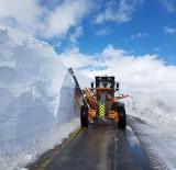 SÜRGÜN - Erzurum Kırsalında Kar Nedeniyle Kapanan Yollar Açılıyor