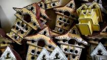 KUŞ YUVASI - 'Kuşların Müteahhidi' 30 Yıldır Yuva Üretiyor