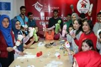 SIĞINMACI - Mülteci Çocuklar Savaşın İzlerini Oyuncak Yaparak Unutuyor