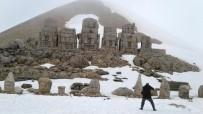 KAR KALINLIĞI - Nemrut Dağı Ziyaretçilerini Bekliyor