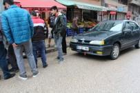 LİSE ÖĞRENCİSİ - Otomobilin Çarptığı Liseli Yaralandı