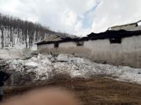 Ovacık'ta Ahır Yangını Açıklaması 17 Hayvan Telef Oldu
