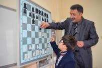 YAŞ SINIRI - Şehitkamil'de 3 Bin Kişi Satrançla Tanıştı