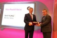 MİLLİ KÜTÜPHANE - Vali Yılmaz'a 'Yılın Pozitif Valisi' Ödülü