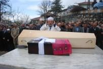 ÖMER TORAMAN - Yanan Otobüste Hayatını Kaybedenler Toprağa Verildi