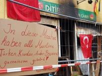 HÜKÜMET - Almanya'da Türklere Yönelik Çirkin Saldırılara Kınama