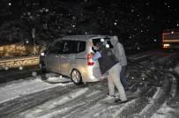 KARAYOLLARI - Antalya - Konya Karayolunda Kar Yağışı Trafiği Olumsuz Etkiledi