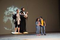 GÜNDOĞAN - 'Bahar Noktası' Tiyatro Anadolu Yorumuyla Sahnede