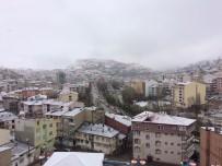YAĞAN - Bayburt'ta Kar Yağışı